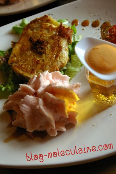 Feuilletés de Rocamadour et la tomate cerise en gelée d'épices
